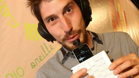 Smartphone et ordi se transforment en trompette et batterie
