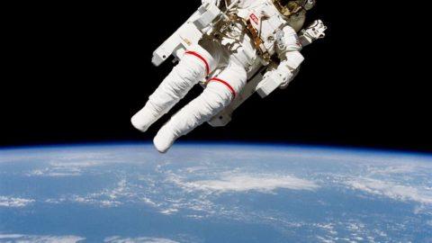 Sciences & vidéos 3 : Pourquoi les astronautes flottent-ils ?